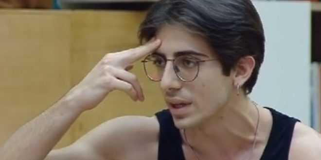 Amici 20, Alessandro Cavallo sorprende tutti accettando un lavoro inaspettato