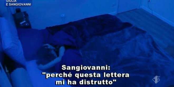 """Amici 20, Giulia Stabile fa piangere Sangiovanni: """"Ti amo"""""""