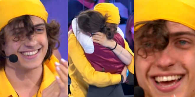 Amici 20, Sangiovanni scoppia a piangere per Giulia: interviene Maria De Filippi