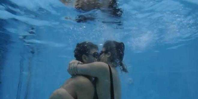 Grande Fratello Vip 2018, baci subacquei e passione sott'acqua