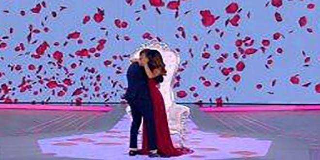 Isola dei Famosi 2018, proposta di matrimonio in diretta per Rosa