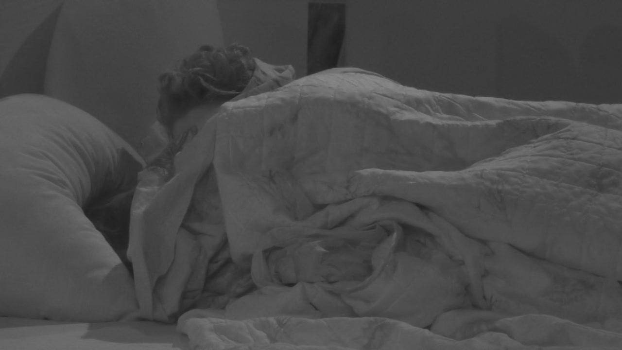 Grande Fratello 2019: Gennaro e Francesca a letto insieme, ma lei subito dopo lo tradisce