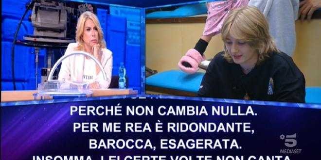 """Amici 21, Anna Pettinelli """"massacra"""" Rea: """"Non canta, ulula come un lupo alla luna"""""""