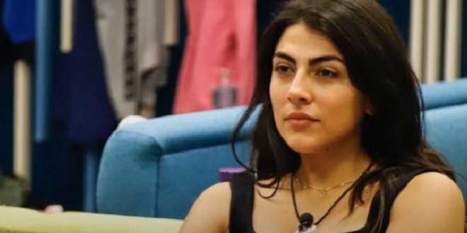 """GF Vip 5, Giulia Salemi esce allo scoperto: """"Dobbiamo farlo mentre tutti dormono"""""""