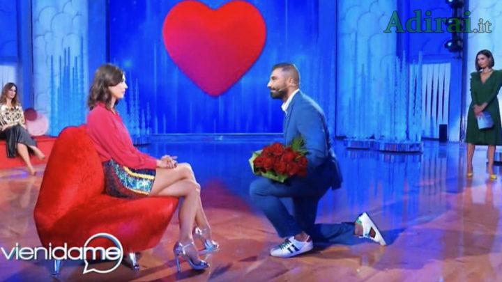 """A """"Vieni da Me"""", Giovanni Conversano chiede a Giada Pezzaioli di sposarlo: lei è gelida e non dice sì"""