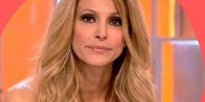 Adriana Volpe amareggiata: il suo programma rischia già la chiusura?