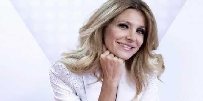 Adriana Volpe sbarca a Mediaset: sarà alla conduzione di Domenica Live?