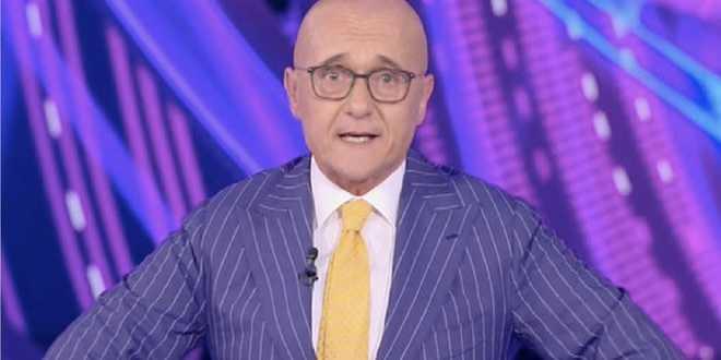 """Alfonso Signorini rompe il silenzio sul GF Vip 6: """"È in movimento"""""""