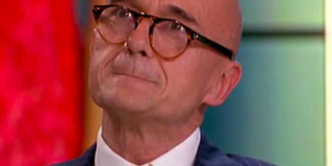 Alfonso Signorini è scomparso dalla tv dopo il GF Vip 5. Ecco la sua confessione