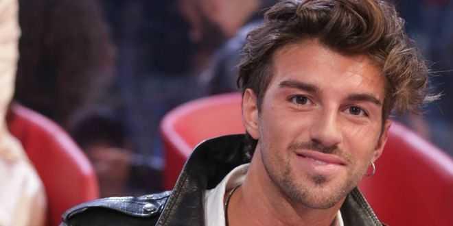 Grande Fratello Vip, Andrea Damante asfalta Signorini con un post shock