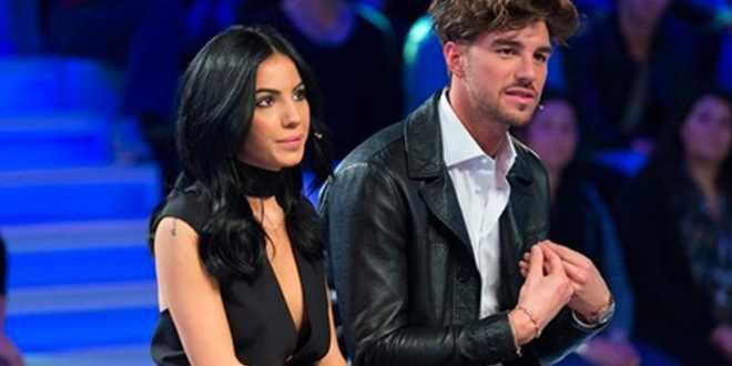 Uomini e Donne, Andrea Damante senza l'anello di fidanzamento: che succede?