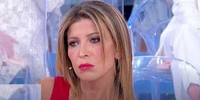 Uomini e donne news, Angela Paone dice la verità sull'amore per Luca Cenerelli