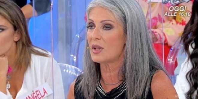 Uomini e Donne news, Armando smaschera Isabella: la dama annuncia l'addio?