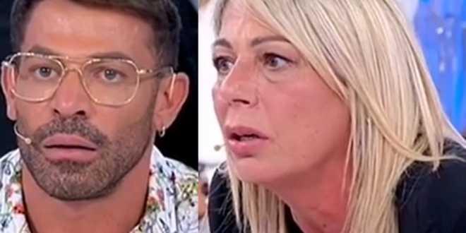 Uomini e Donne, Aurora Tropea se ne va e Gianni Sperti esulta: il web si indigna