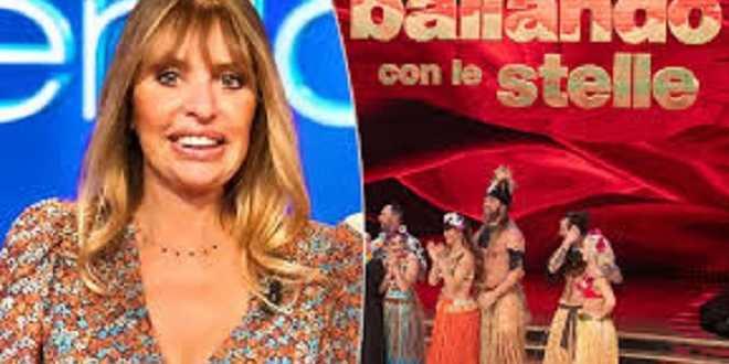 Ballando con le stelle 2020, i fan di Carolyn Smith contro Alessandra Mussolini
