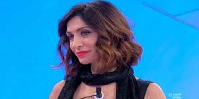 """Uomini e Donne, Barbara De Santi è ancora single: """"Spero di tornare a settembre"""""""