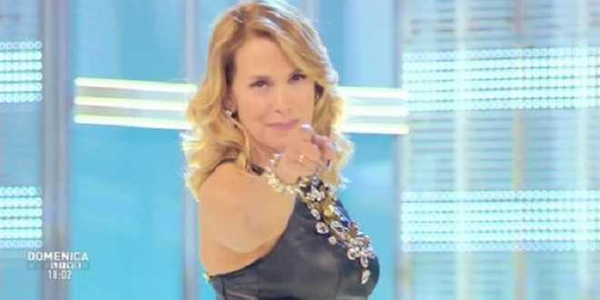 Barbara D'Urso lascia canale 5 per passare alla Rai? Ecco quando e perchè!