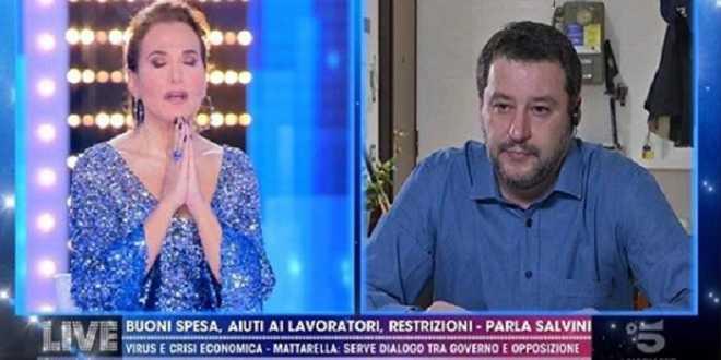 Barbara d'Urso nei guai: spunta una petizione per chiudere i suoi programmi