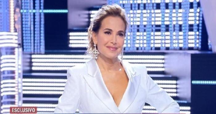 Barbara d'Urso: un conduttore e un noto cantante si scagliano duramente contro di lei!