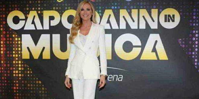 Capodanno sconvolgente per Federica Panicucci, polemiche e gravi accuse