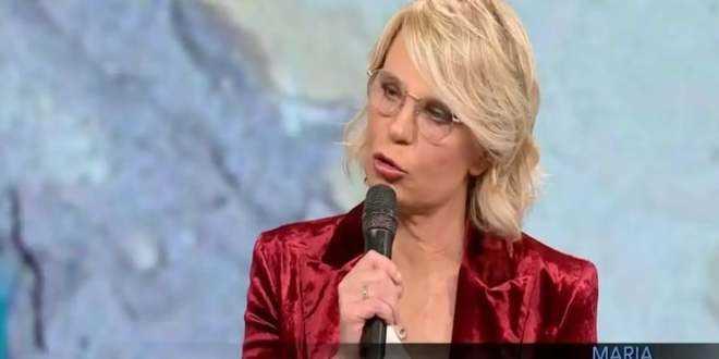 C'è Posta per Te, Maria De Filippi spiega perché nessuno indossava le mascherine