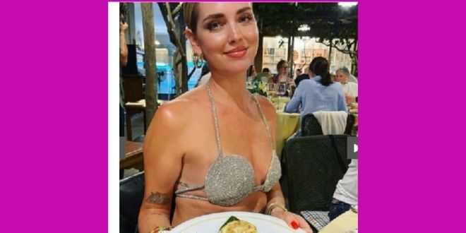 Chiara Ferragni nel mirino della polemica: il look a Capri divide