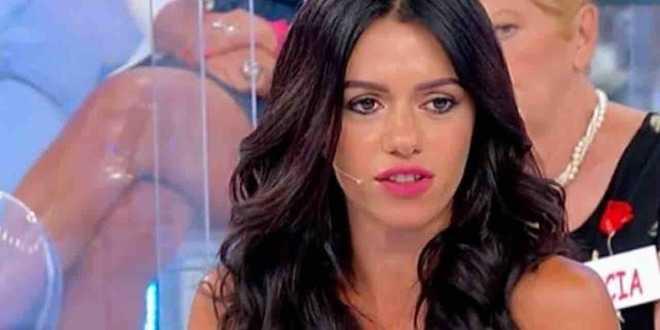 Uomini e Donne gossip, Vittoria Deganello si fidanza con famoso calciatore? Ecco di chi si tratta