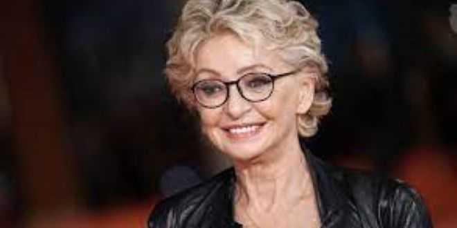 "Enrica Bonaccorti in ospedale nella notte:"" Dramma, però sorrido"""