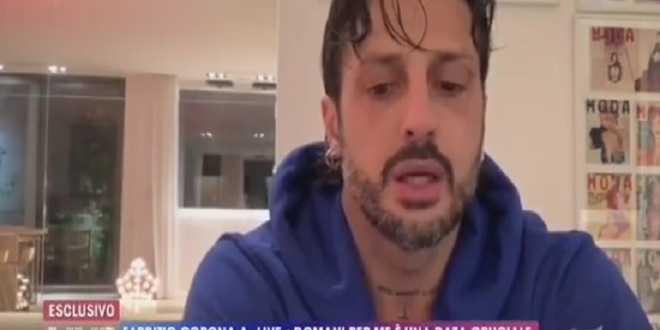 Fabrizio Corona rischia altri nove mesi: ecco il suo messaggio prima dell'udienza