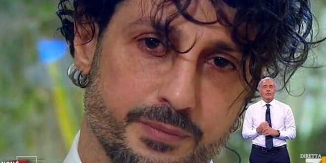 """Fabrizio Corona si commuove prima della sentenza: """"Non voglio tornare in carcere"""""""