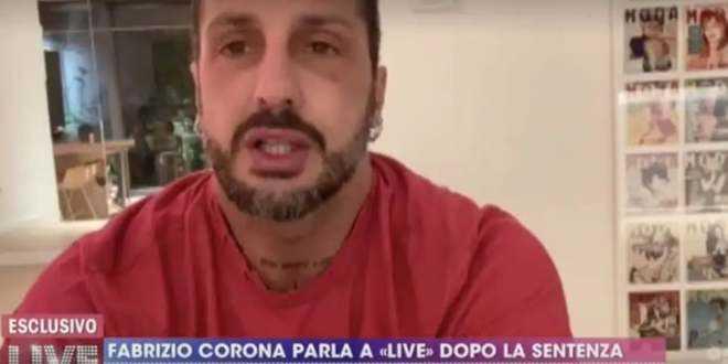 """Fabrizio Corona, la denuncia della madre: """"Trascinato via dall'Ospedale in piena notte"""""""