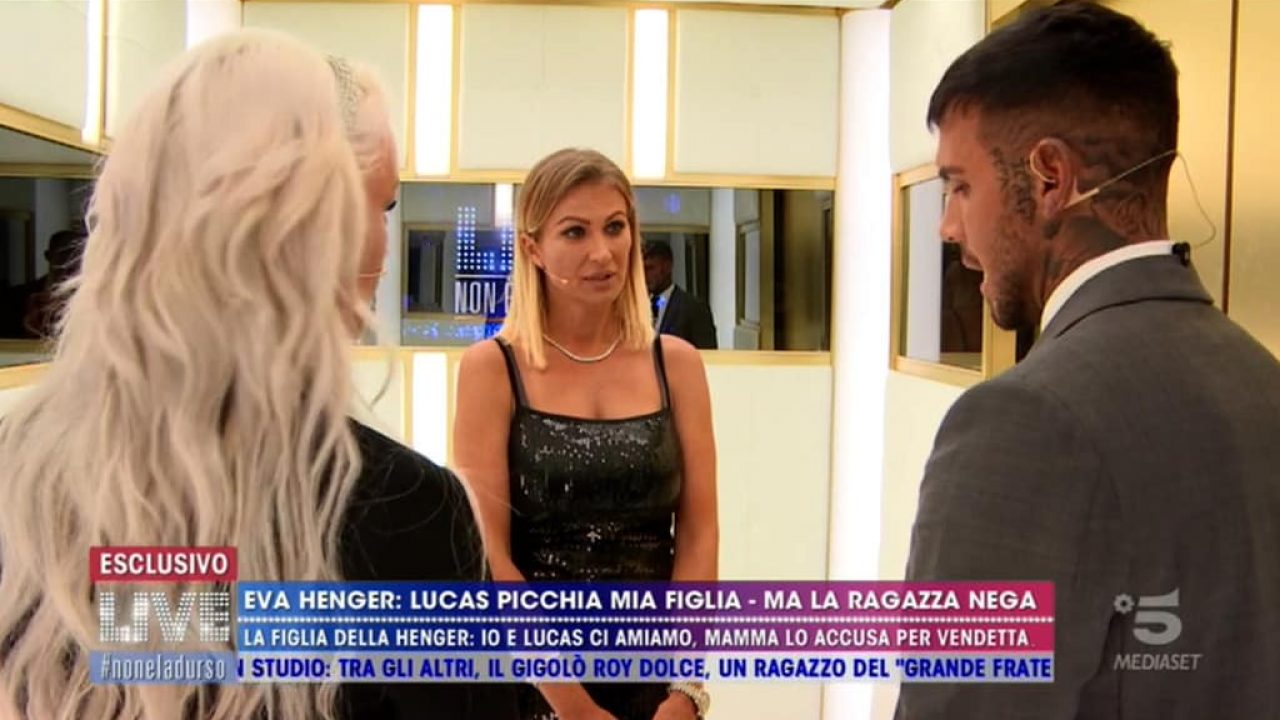 Finisce male il confronto tra Lucas Peracchi ed Eva Henger: lui lascia l'ascensore infuriato