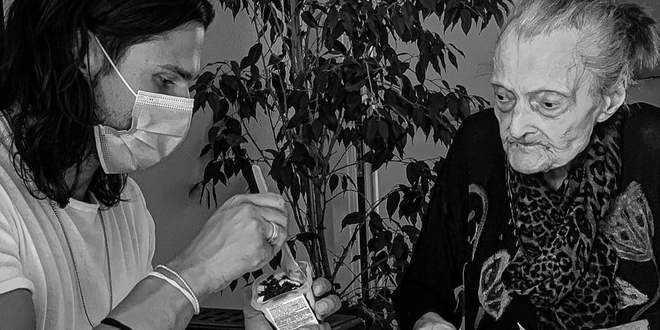 """Uomini e Donne gossip, la foto di Luca Onestini commuove il web: """"Pensavo di non farcela"""""""