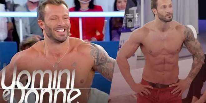 Gossip Uomini e Donne, le foto a luci rosse di Michele Dentice: shock in puntata