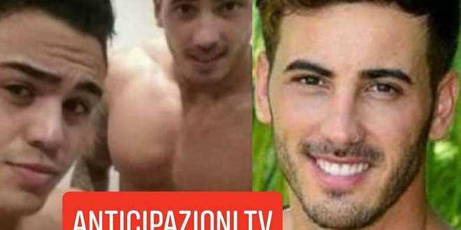 GF Vip 2020, Ivan Gonzalez nudo in doccia con un uomo