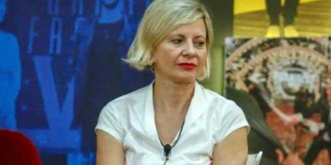 """GF Vip 4, i social contro Antonella Elia che ammette: """"Mi vergogno di me"""""""