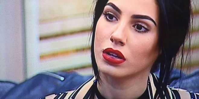 """GF Vip, Giulia De Lellis definita """"feccia umana"""" nel programma di Signorini"""
