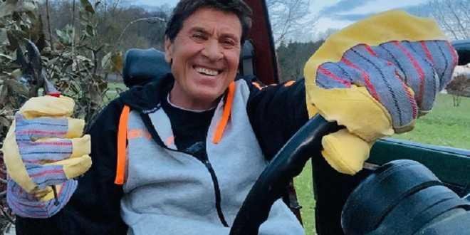 Gianni Morandi ricoverato d'urgenza: ustioni alle mani e alle gambe