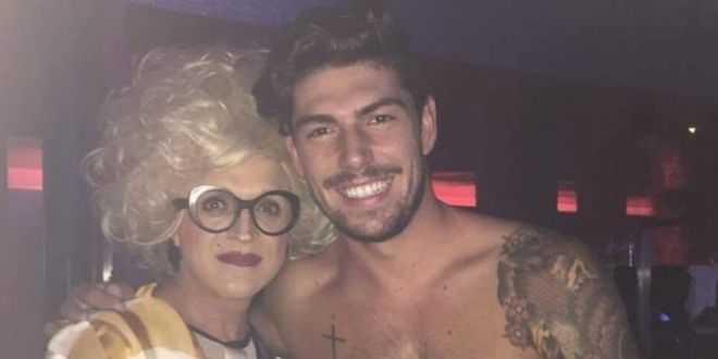 Grande Fratello Vip, Ignazio con la trans: le foto scottanti fanno il giro del web