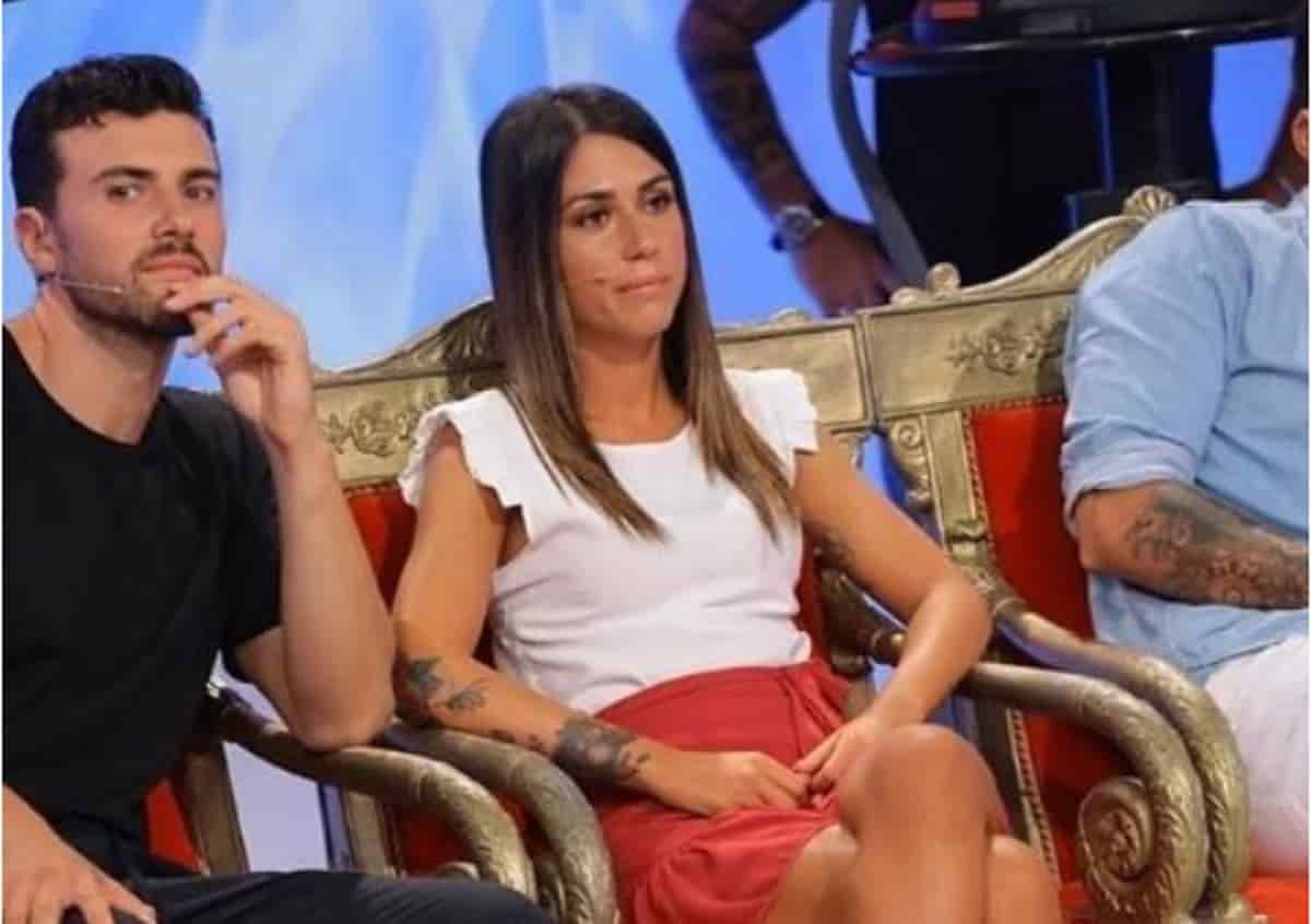 Anticipazioni Uomini e Donne, il primo bacio e una lite furibonda per la tronista Giulia: caos in studio