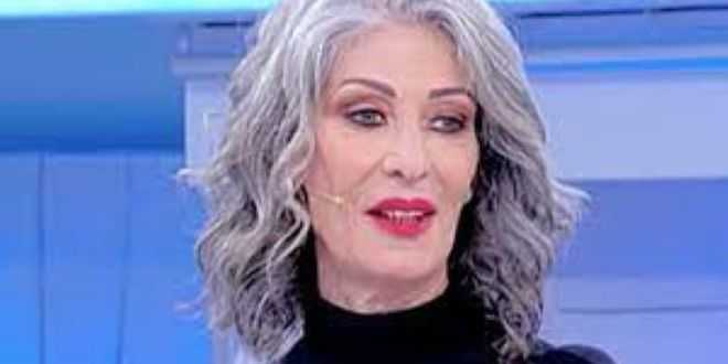 Uomini e donne news, Isabella Ricci rivela il suo dramma in studio e interviene anche Maria De Filippi