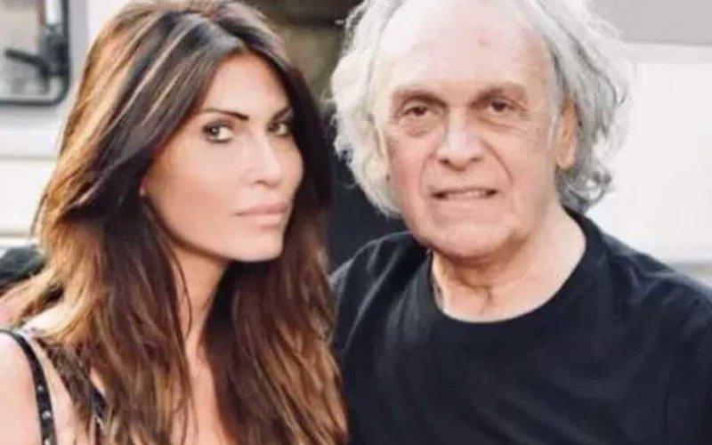 La moglie di Riccardo Fogli è una furia e replica alle accuse, ma qualcosa non torna