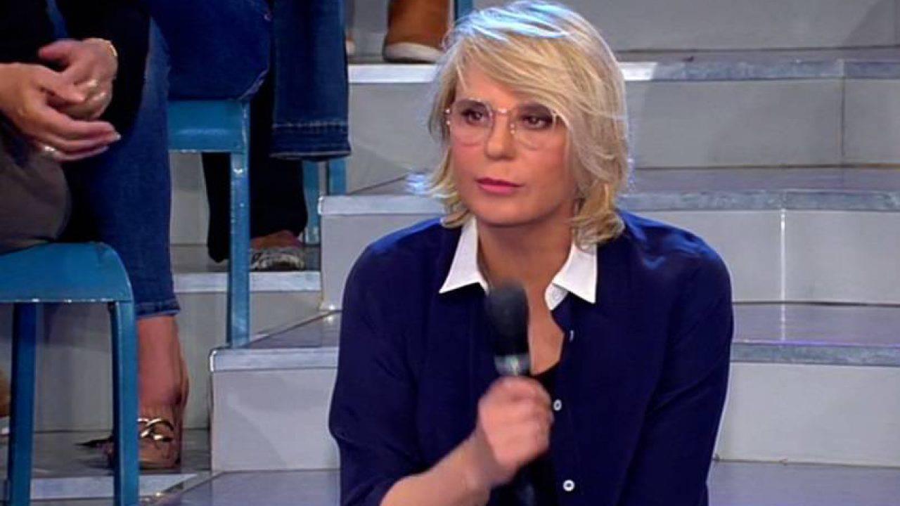 Uomini e Donne anticipazioni, la nuova tronista a colloquio da Maria De Filippi: è un'ex gieffina!