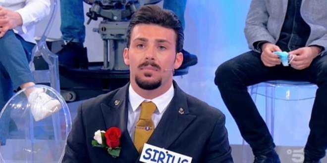 """Uomini e Donne anticipazioni, la rabbia di Nicola Vivarelli: """"Divento una bestia!"""""""
