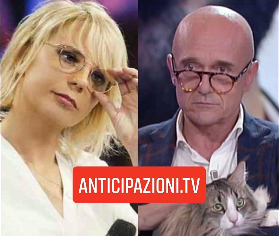 """Gossip Uomini e Donne, la rivelazione di Signorini su Maria De Filippi: """"È in incognito sui social"""""""