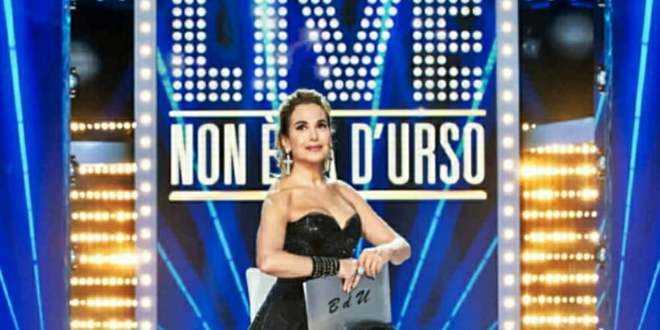 Live – Non è la d'Urso, puntata del 18-10-20: gli ospiti, le cinque sfere e una grande novità