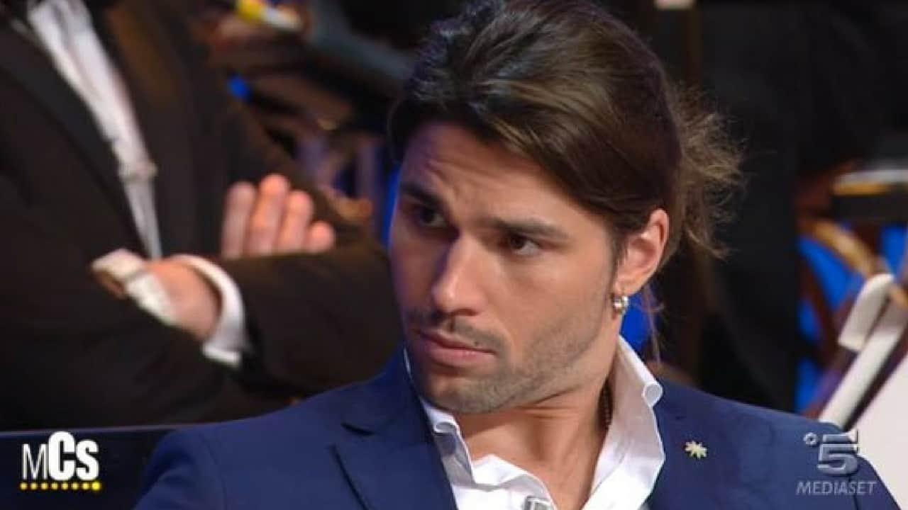 "Grande Fratello Vip, Luca Onestini senza freni contro Ivana Icardi: ""Buffona, bugiarda!"""