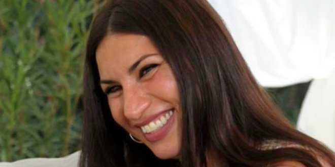 Temptation Island, Manuela Carriero cerca l'abito da sposa (in televisione)