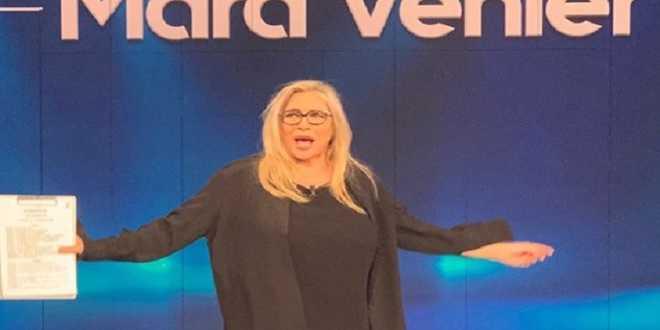 Mara Venier presa di mira: l'ospitata di Pamela Prati fa arrabbiare i telespettatori