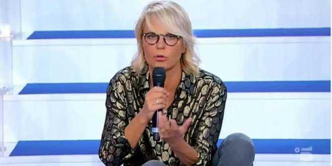 Uomini e Donne news, Maria De Filippi furiosa: la scenata gela lo studio